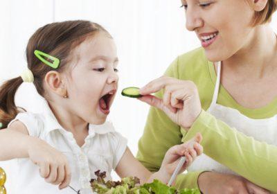 cómo hacer que los niños coman más fruta y verdura